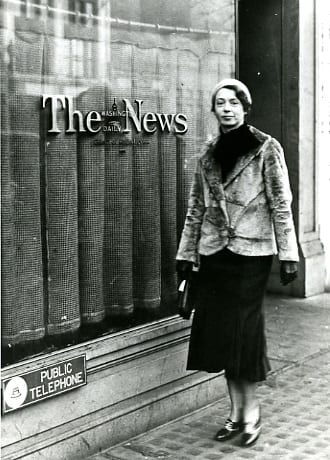 Ruth Finney in front of the Washington Daily News office, 1933.
