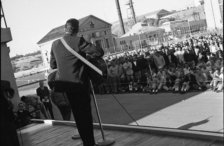 On This Day: Johnny Cash performed at Folsom Prison