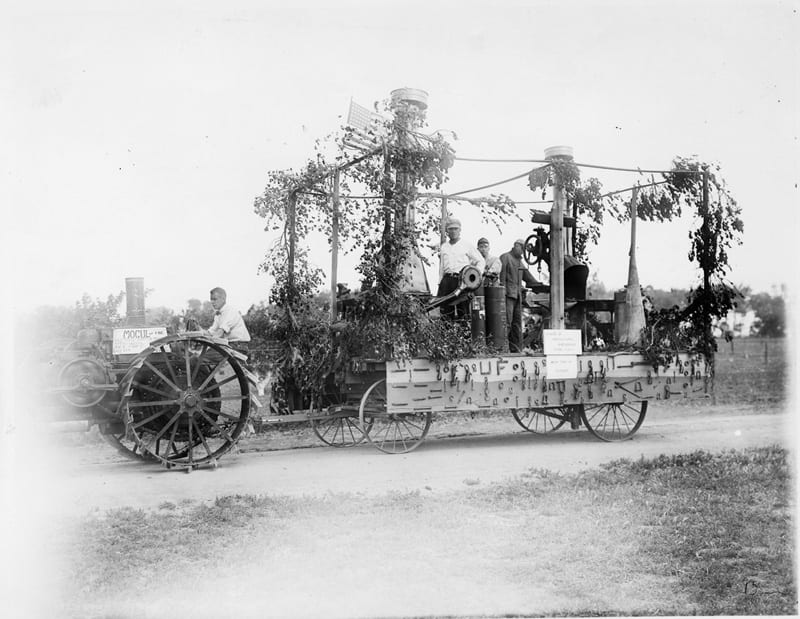 Division of Agricultural Engineering forge float, Picnic Day, 1917.