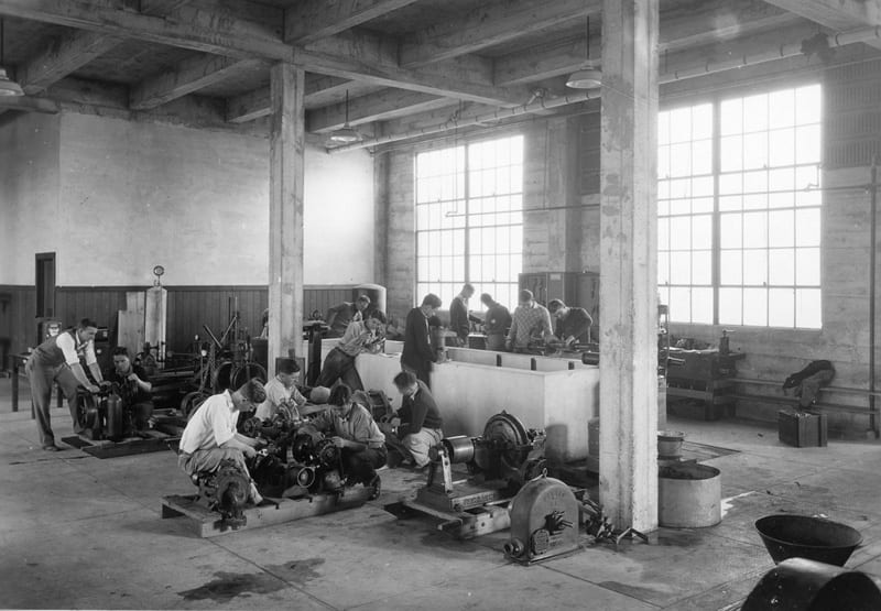 Agricultural Engineering class in Irrigation Machinery lab, undated.