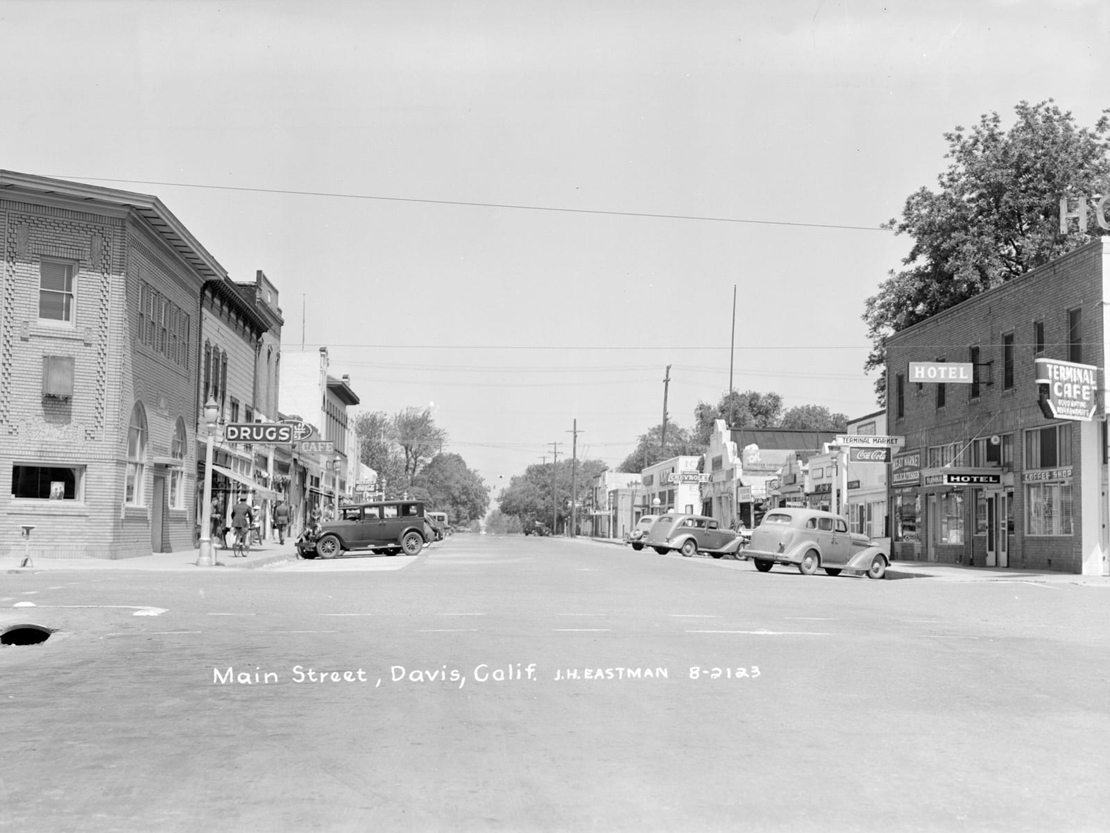 G street at Second Street, looking north, 1944