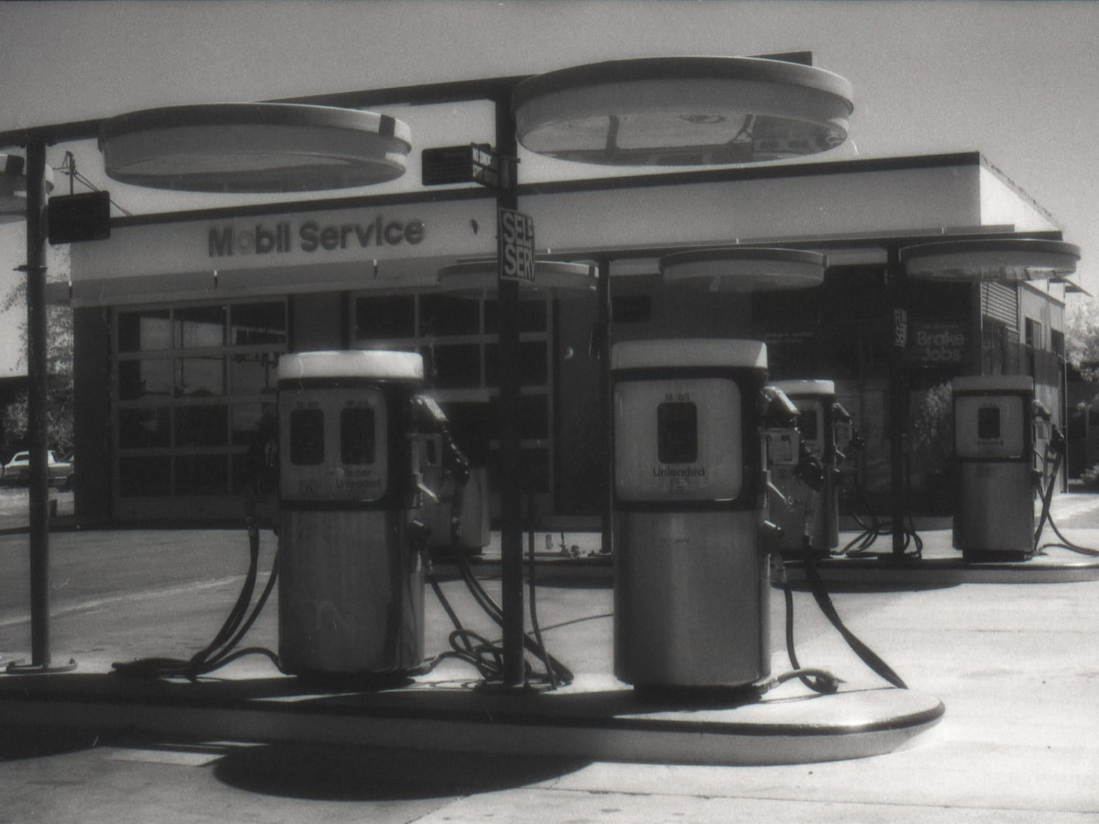 George's Mobil gas station at the intersection of eighth and chestnut streets, July 25, 1992