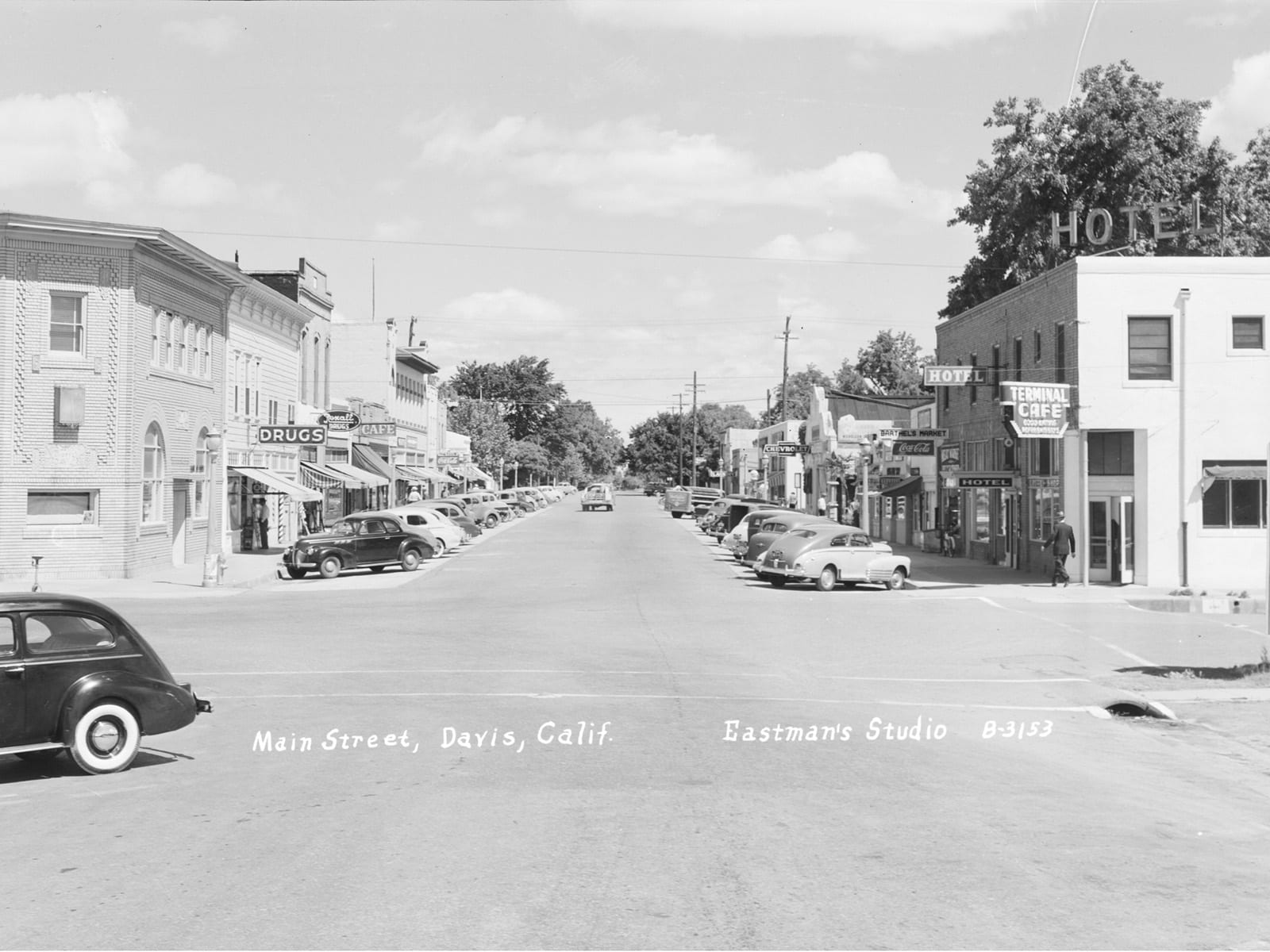 G Street at Second Street, looking north, 1945