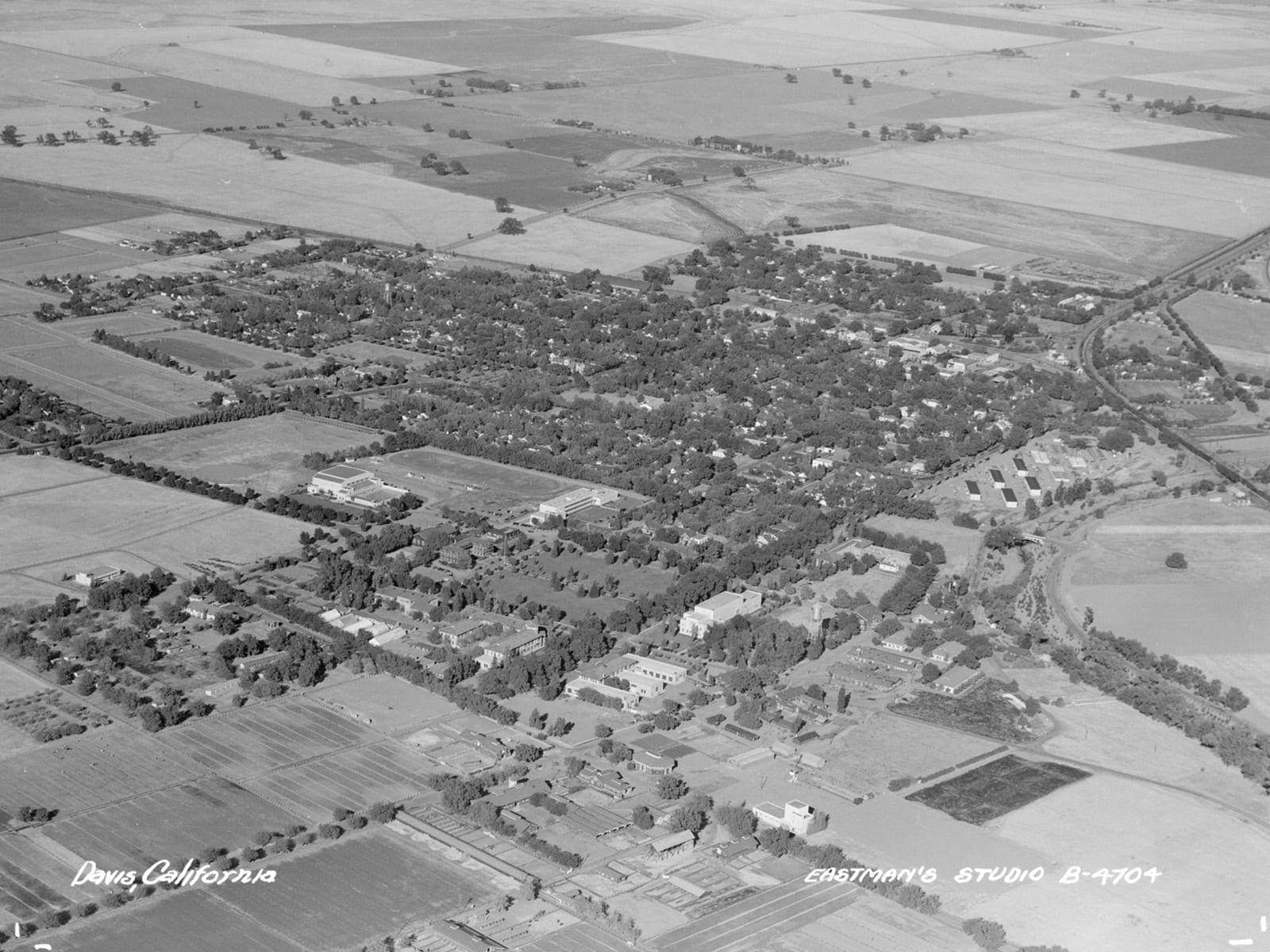 Aerial view of Davis, 1946