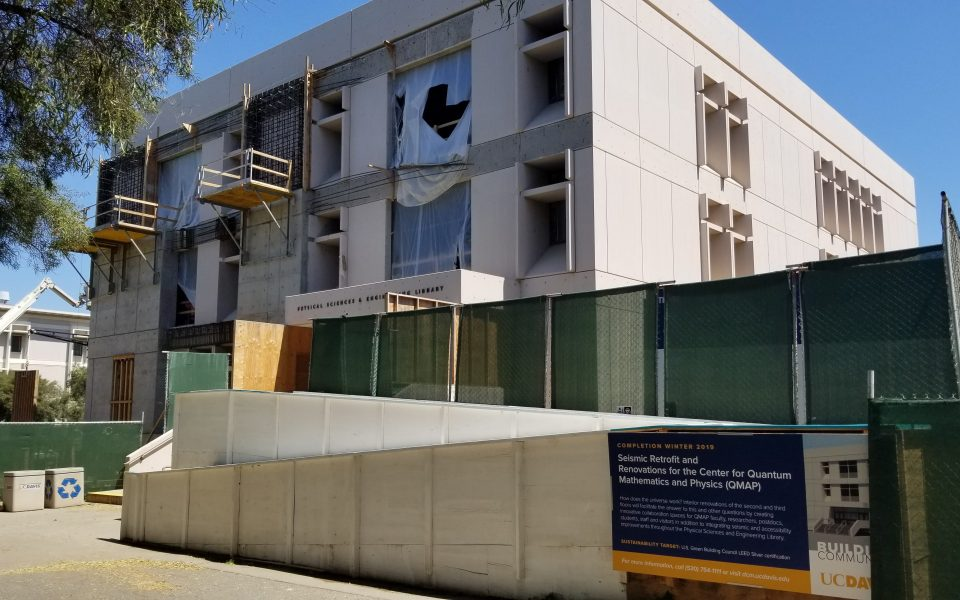 Construction at the Physical Sciences & Engineering Library in April 2019 (Tony Navarro/UC Davis Library)